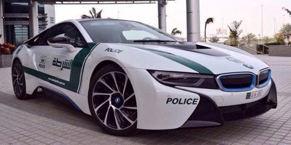 Une BMW i8 pour la Police de Dubaï