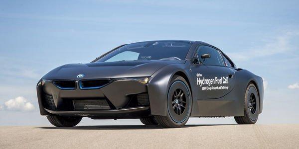 La BMW i8 à hydrogène en action