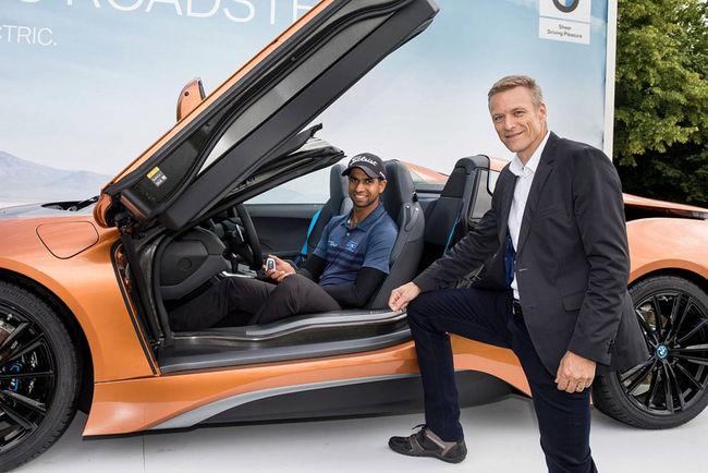 Il gagne une BMW i8 Roadster grâce à un coup parfait