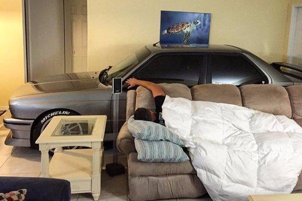 Insolite : il protège sa BMW M3 de l'ouragan Matthew