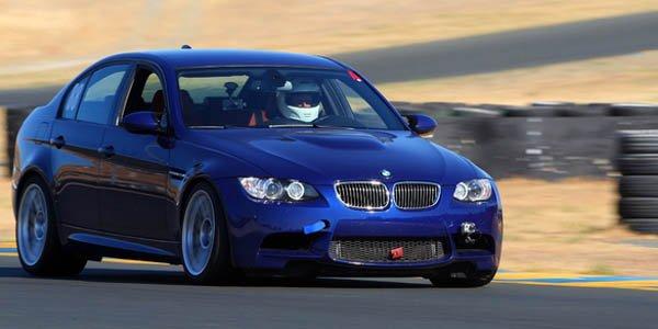EAS soulève le capot de la BMW M3 E90