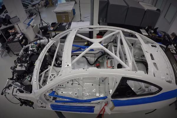 Un teaser pour la nouvelle BMW M4 GT4