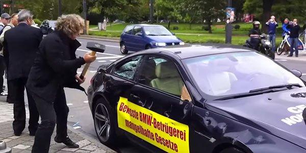 Il détruit sa BMW M6 devant l'IAA