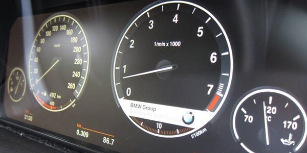BMW passe aux instrumentations LCD