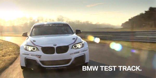 Pause réclame pour la BMW M235i Racing