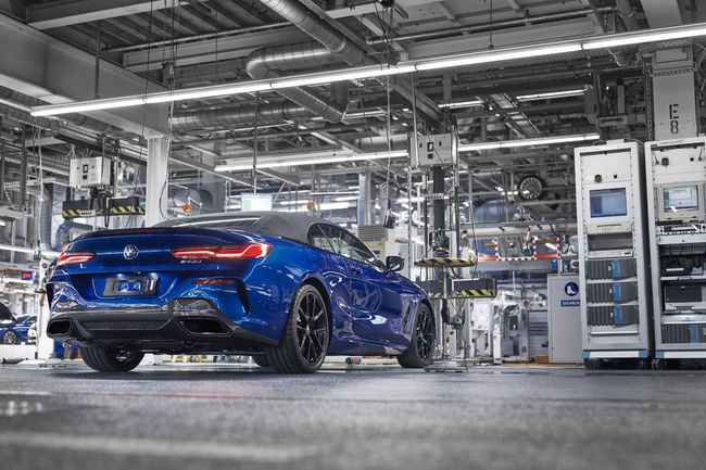 Lancement en production de la BMW Série 8 cabriolet