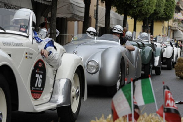 les bmw stars des mille miglia 2009 actualit automobile motorlegend. Black Bedroom Furniture Sets. Home Design Ideas