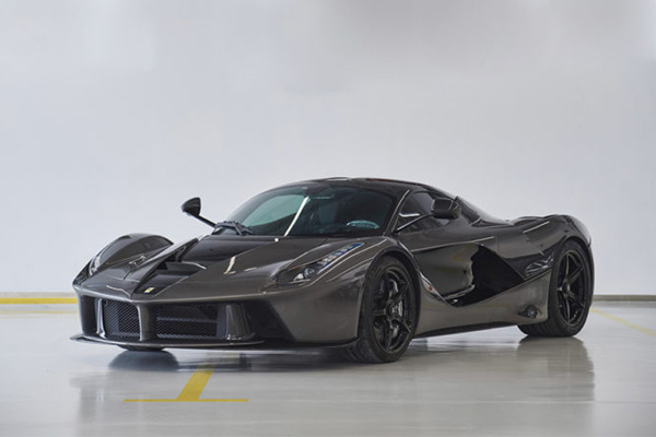 Bonhams : forza LaFerrari au Goodwood Revival