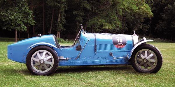 Une Bugatti Type 35T aux Mille Miglia