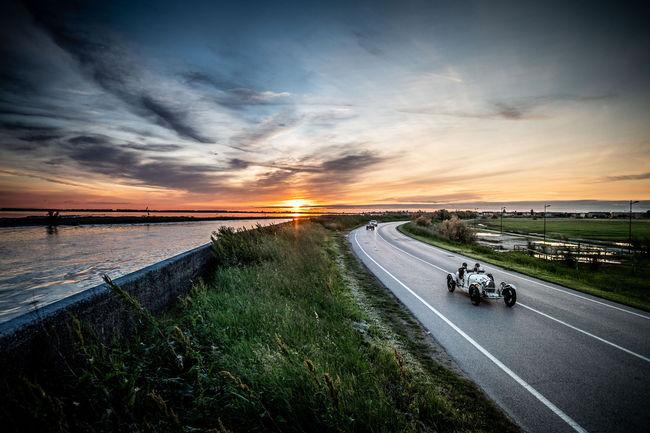 Bugatti au départ des Mille Miglia 2019
