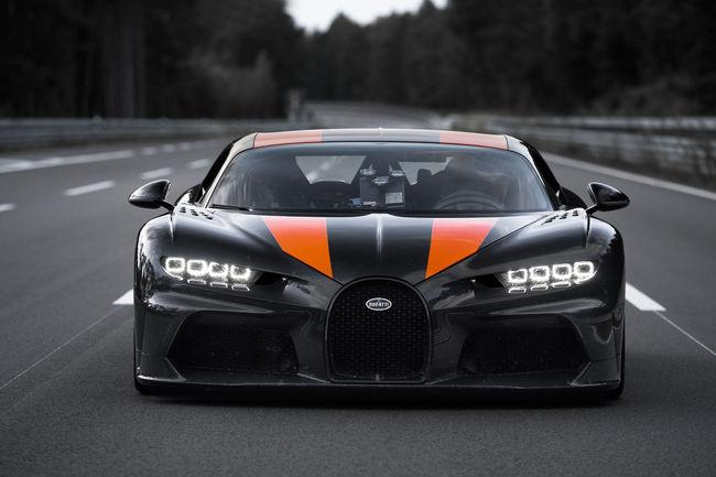 Bugatti franchit la barre mythique des 300 mph