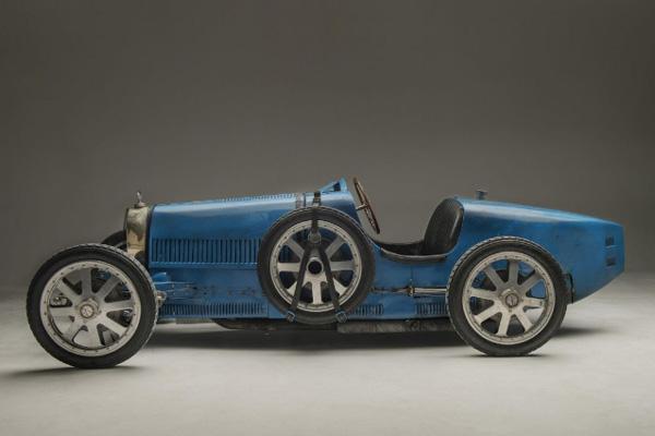 Une Bugatti Type 35 aux enchères Artcurial Motorcars