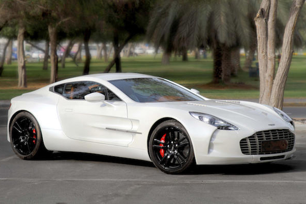 Bonhams : la dernière Bugatti Veyron aux enchères