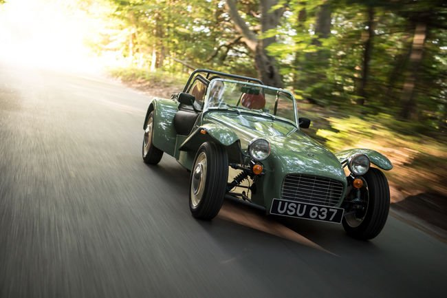 Caterham Seven Sprint : ambiance sixties