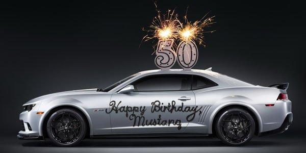 Un gâteau d'anniversaire pour la Ford Mustang
