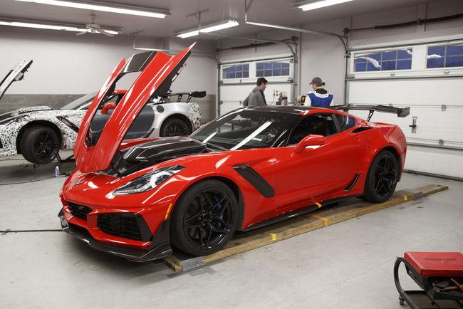 La Corvette ZR1 détrône la Ford GT sur le VIR