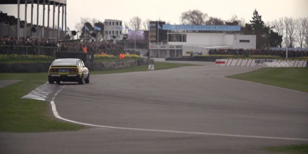 Chris Harris en piste au Goodwood Members Meeting