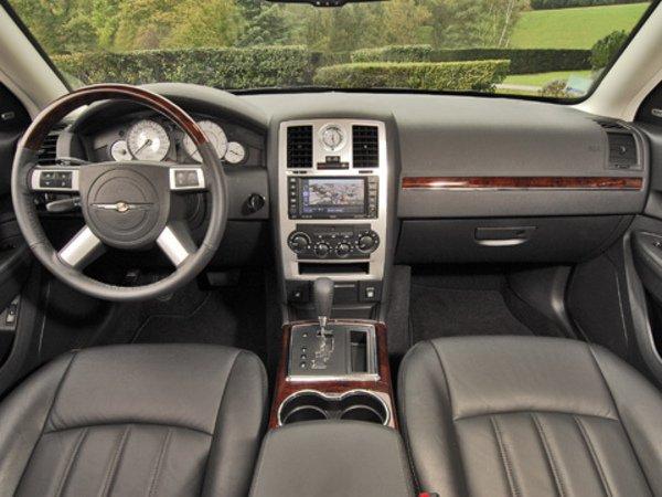 chrysler 300c restylage tr s discret actualit automobile motorlegend. Black Bedroom Furniture Sets. Home Design Ideas