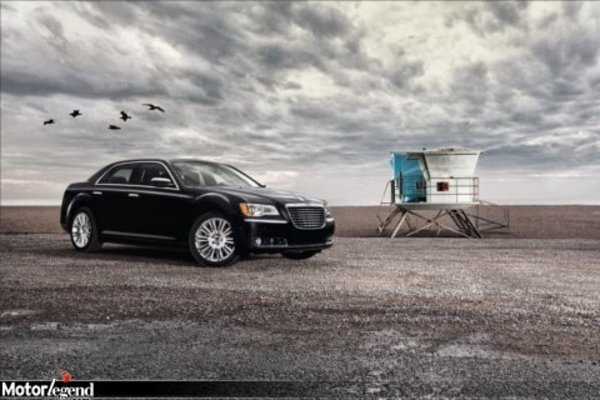 vid o officielle de la chrysler 300c actualit automobile motorlegend. Black Bedroom Furniture Sets. Home Design Ideas