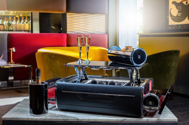Luxe : le coffre à Champagne vu par Rolls-Royce