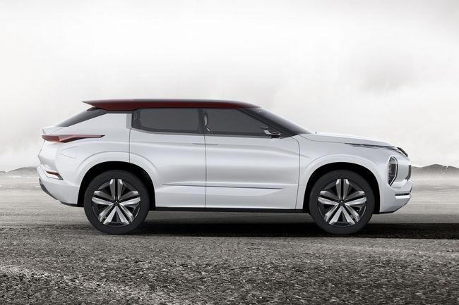 Le concept Mitsubishi GT-PHEV présenté à Paris