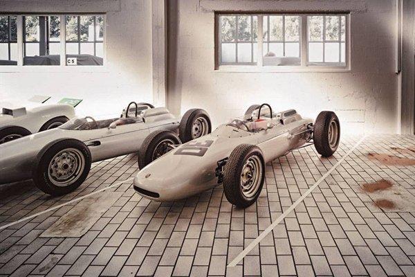 Dans la réserve du Musée Porsche de Stuttgart