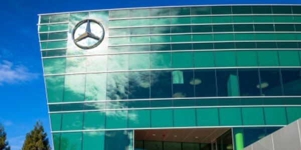 Mercedes se lance dans la vente en ligne