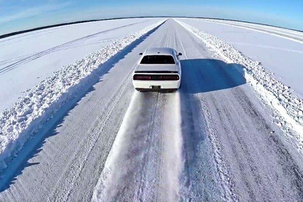 Une Dodge Challenger SRT Hellcat flashée à 274 km/h sur la glace