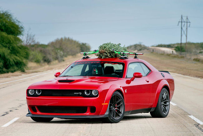 Hennessey fête Noël avec la Challenger SRT Hellcat Widebody
