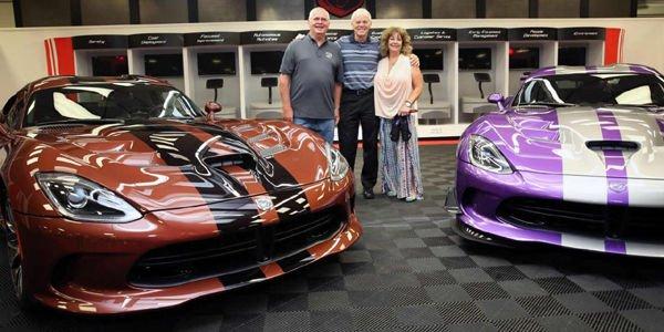 Ils possèdent une collection de 79 Dodge Viper !
