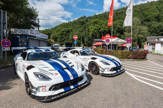 Dodge Viper ACR vs Nürburbring : le film