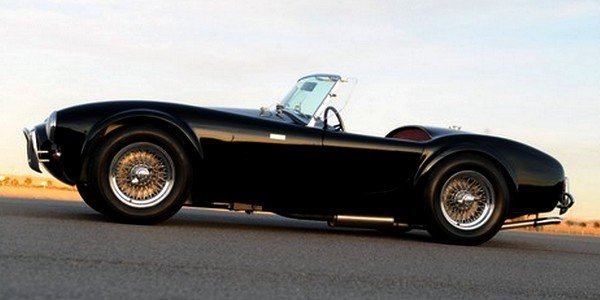 Shelby célèbre les 50 ans de la Cobra