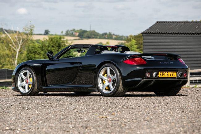 Silverstone Classic : vente exclusive Porsche et Ferrari
