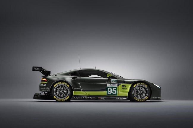 Superbe plateau Aston Martin au Salon Epoqu'Auto