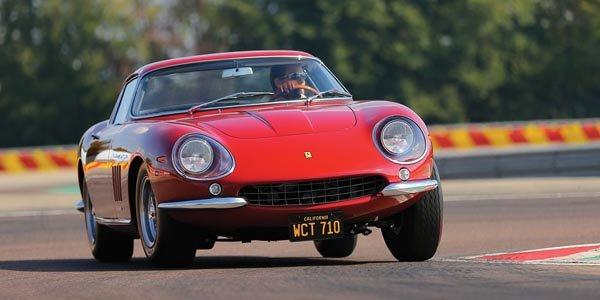 Une Ferrari 275 GTB/4 ex-McQueen aux enchères