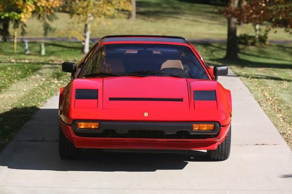 Offrez-vous la Ferrari 308 GTS de Magnum