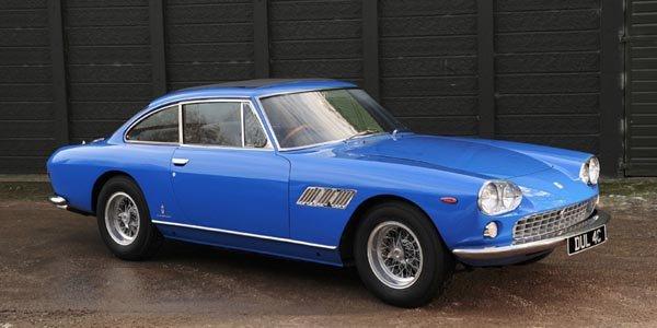 Une Ferrari ex-John Lennon aux enchères