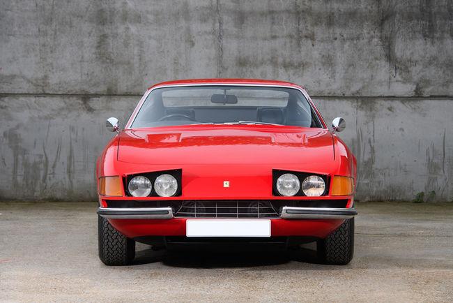 Une Ferrari Daytona ex-Elton John aux enchères