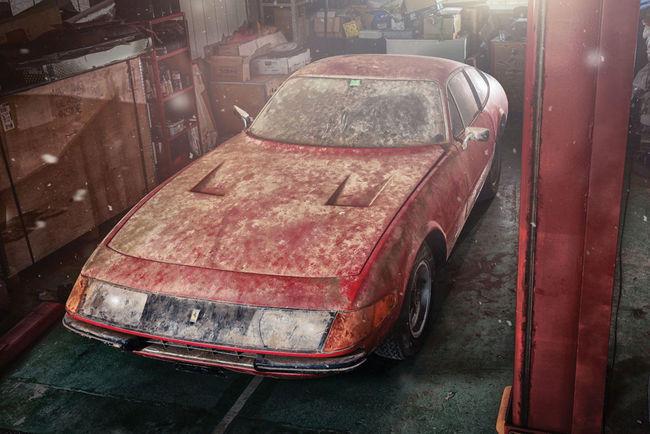 Une Ferrari 365 GTB/4 unique aux enchères