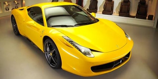 Personnalisez la Ferrari 458 Italia