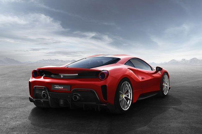 Genève : nouvelle Ferrari 488 Pista