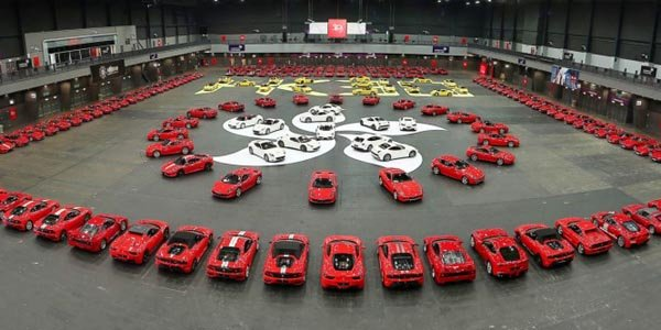 Ferrari fête ses 30 ans à Hong Kong