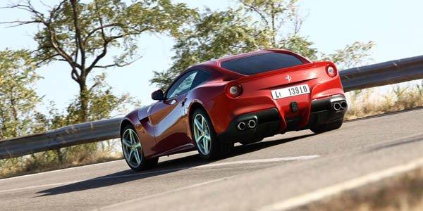 Une Ferrari F12 Berlinetta aux enchères