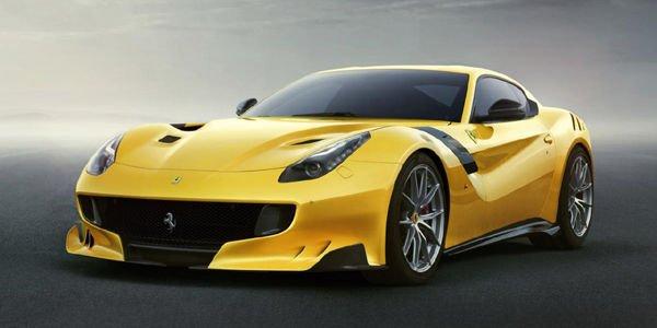 Le moteur de la Ferrari F12tdf dans le détail