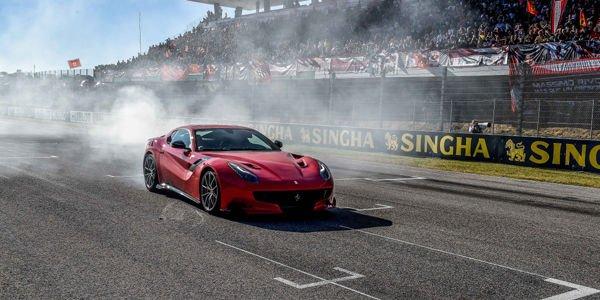 La Ferrari F12tdf fait le show au Mugello