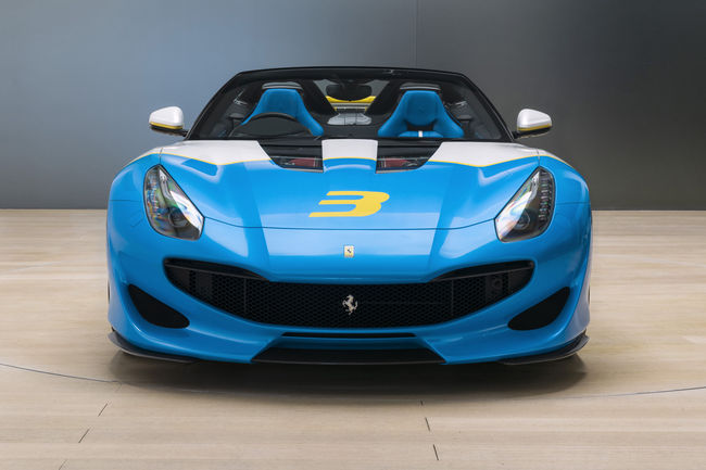 One-off Ferrari SP3JC : la F12tdf enlève le haut