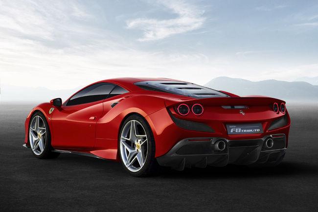 La Ferrari F8 Tributo enlève le haut grâce à X-Tomi Design