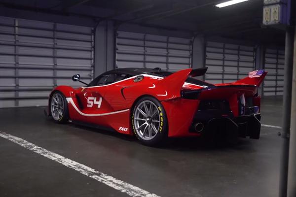 Embarquez en Ferrari FXX K avec Chris Harris à Daytona