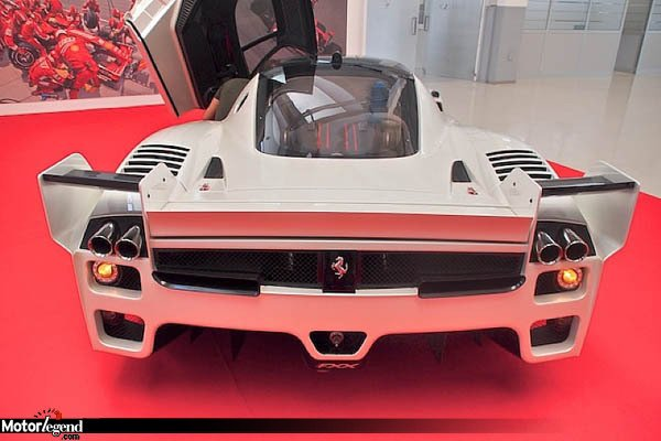 une ferrari fxx homologu e vendre actualit automobile motorlegend. Black Bedroom Furniture Sets. Home Design Ideas