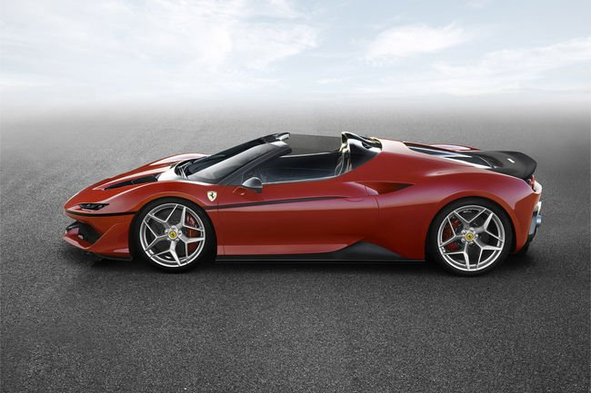 La Ferrari J50 présentée en première mondiale à Tokyo